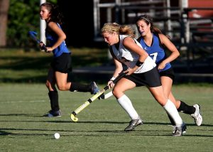 field hockey player girls game 163526 (1)